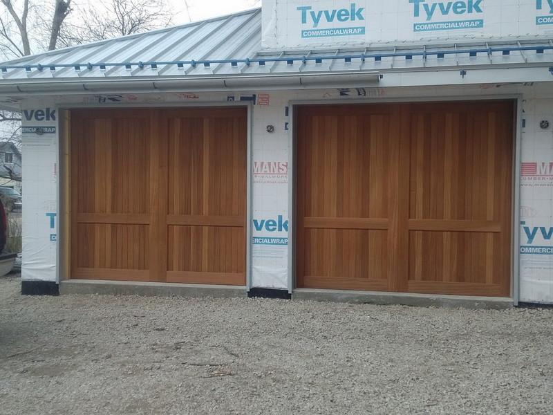 garage doors Gallery image 3